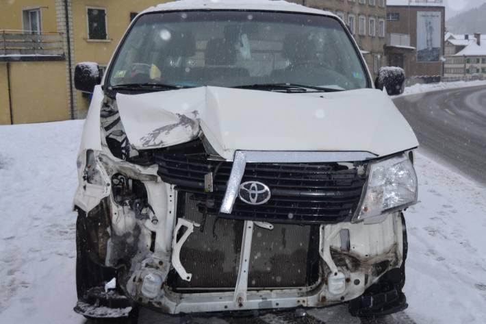 In Gais AR kam es gestern zu einem Totalschaden.