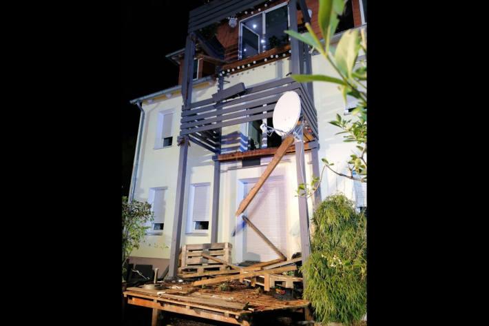 Eingestürzter Balkon in Bad-Horn Meinberg