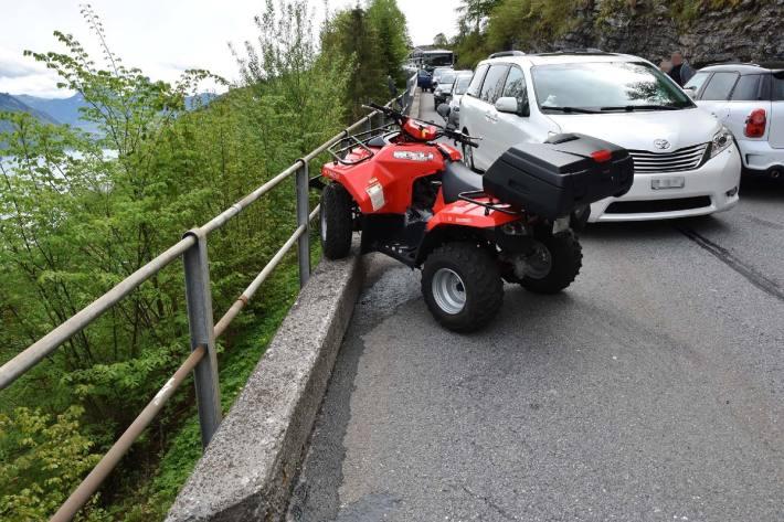 Beim Unfall von heute in Emmetten NW verletzte sich die Quad-Lenkerin.