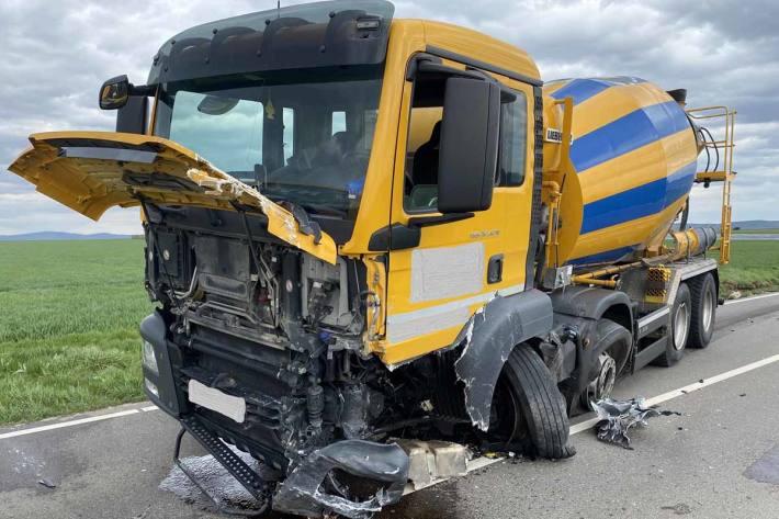 Beide beteiligten Fahrzeuge waren in Affalterbach nicht mehr fahrbereit und mussten abgeschleppt werden