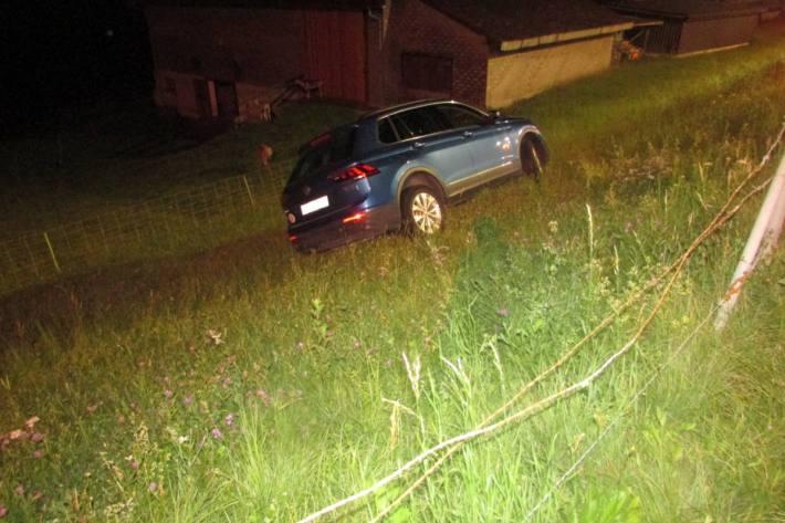 Gestern verunfallte in Mitlödi eine Autolenkerin nach Sekundenschlaf.