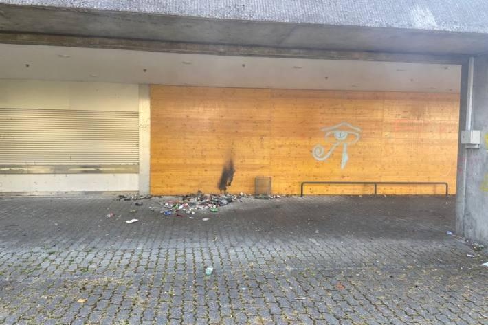 In Stein am Rhein SH wurde heute ein Abfallsack mutwillig in Brand gesteckt.