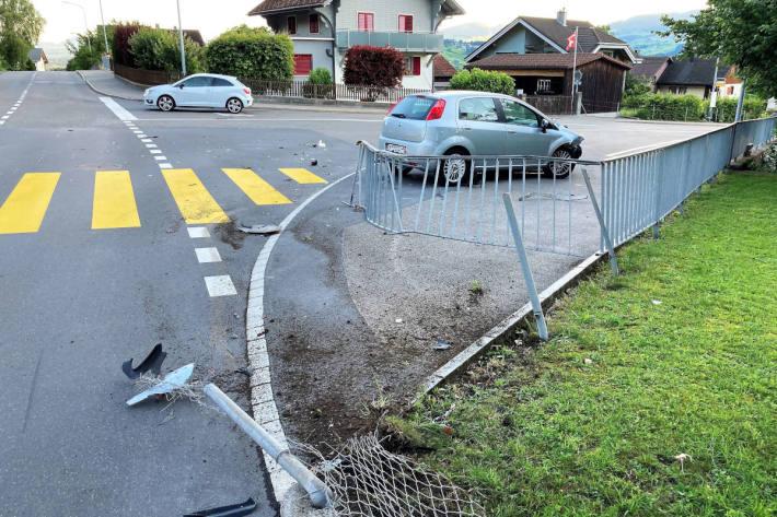 Unfallsituation auf der Hauptstrasse in Bilten