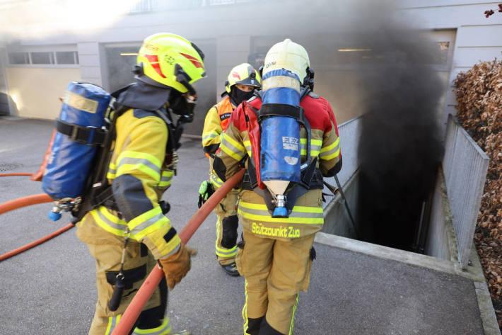 Feuer in Hobbyraum in Zug