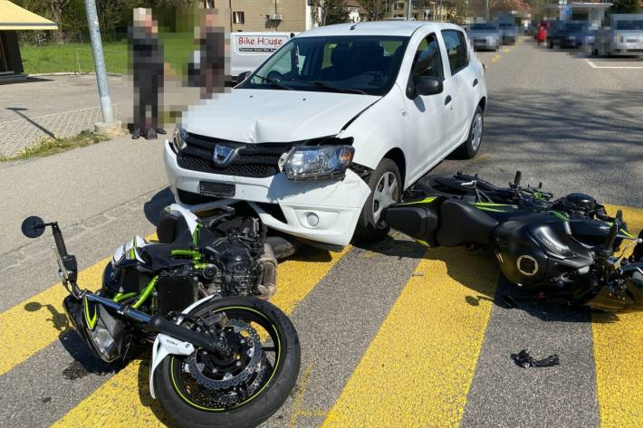 Beim Unfall gestern in Balsthal SO verletzte sich eine Motorradlenkerin.