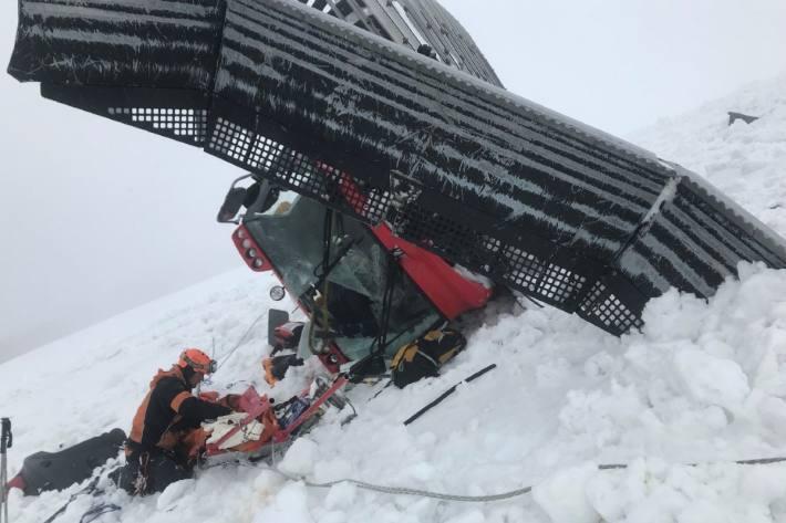 Am Titlis bei Engelberg OW rutschte gestern ein Pistenfahrzeug rund 400 Meter ab.