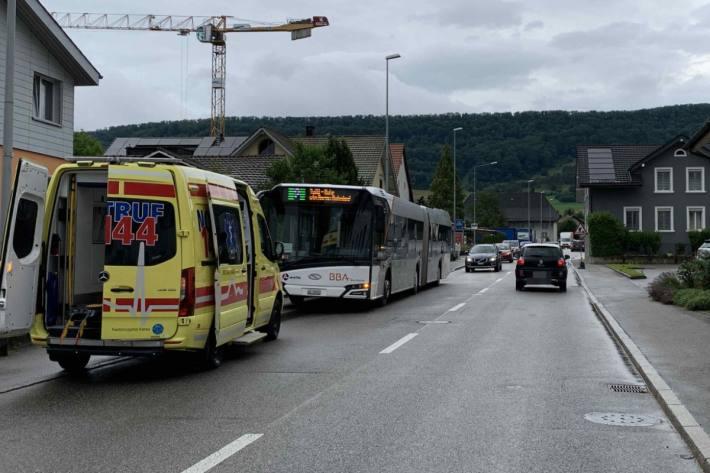 In Erlinsbach SO musste heute ein Linienbus eine Vollbremsung durchführen.