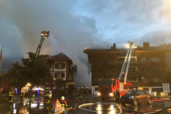 Im Einsatz standen rund 90 Feuerwehrangehörige
