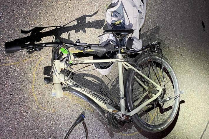 Beim Unfall wurde der Velofahrer schwer verletzt