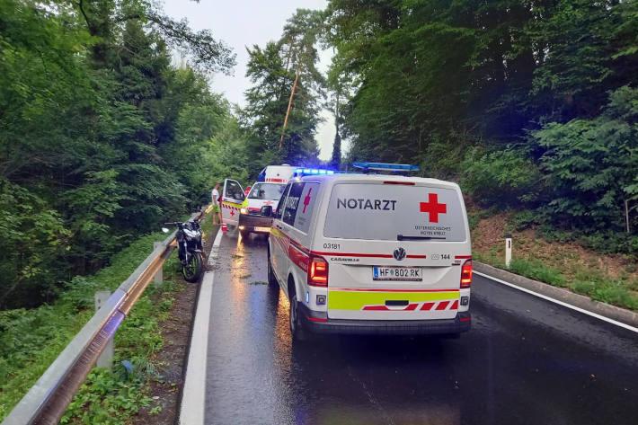 Motorradfahrer nach Unfall bei Studenberg schwer verletzt