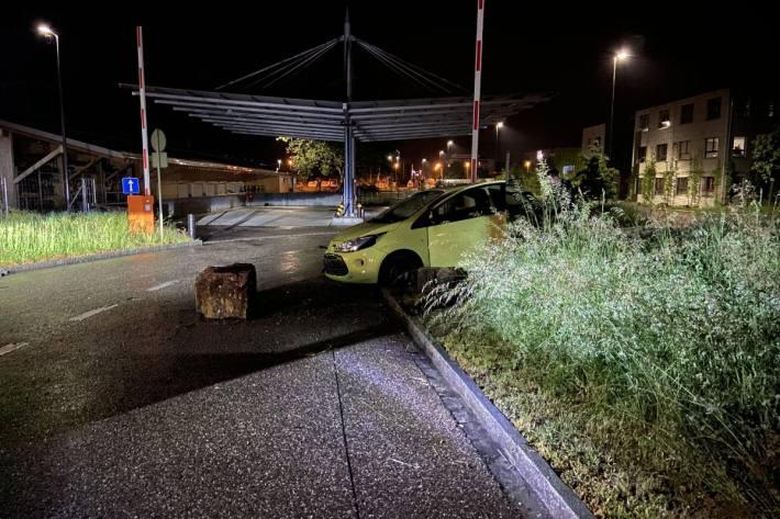 Der Unfallenker verletzte sich beim Crash in Sissach BL letzte Nacht nicht.