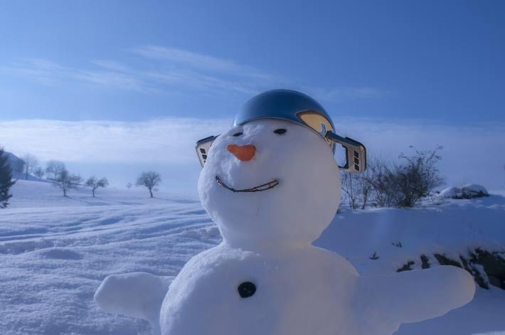 Kreativ werden im Schnee (Symbolbild)