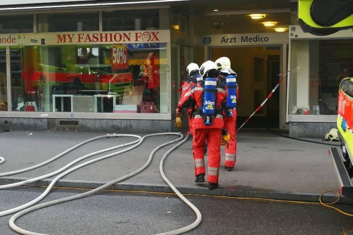 Ein grosser Feuerwehreinsatz musste gestern in der Zürcher Langstrasse registriert werden.