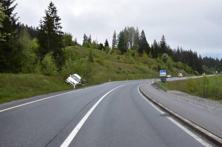 Verletzter nach Kollision auf der Oberalpstrasse bei Flims