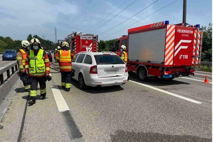 Ein Auffahrunfall führte zu einem brennenden Auto in Wangen an der Aare AG.