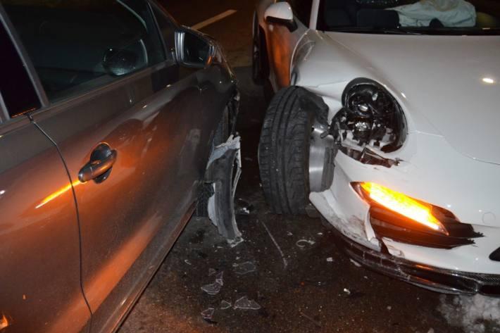 Unter Drogeneinfluss kollidierte gestern der Lenker des Porsches mit dem Gegenverkehr