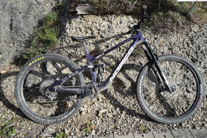 Mountainbike des Verunfallten bei Reute AR