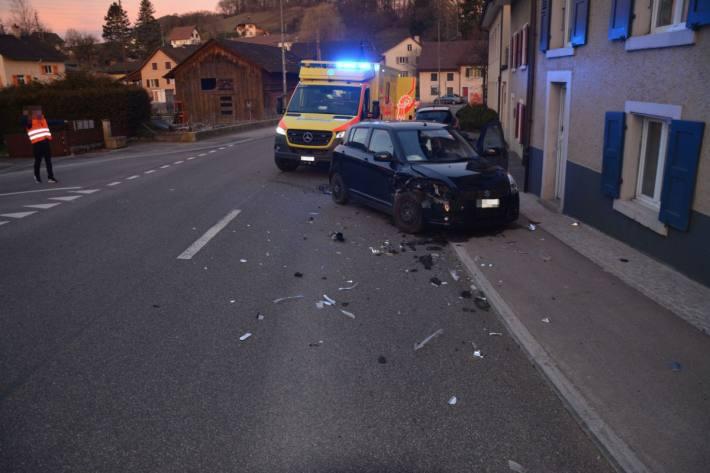 In Zullwil SO kam es heute zu einem heftigen Crash.