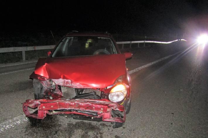In Bilten GL ist eine 18-Jährige heute Nacht verunfallt.