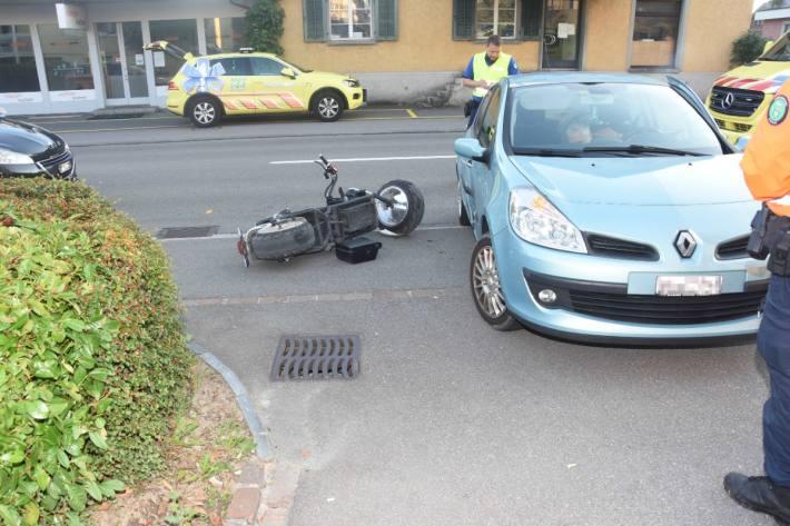 Gestern ist in Rapperswil-Jona SG ein Unfall zwischen einem Motorrad und Auto vorgefallen.