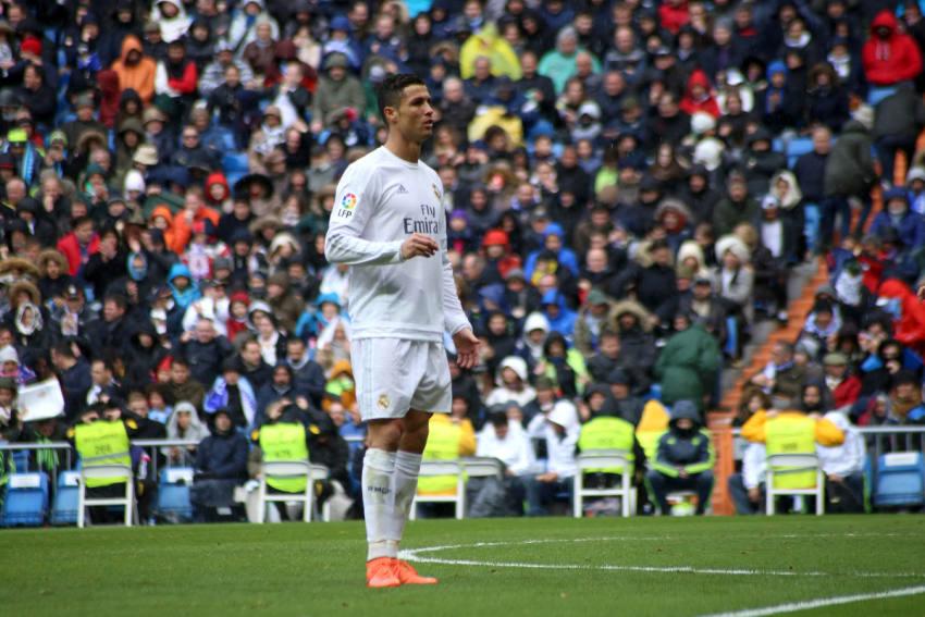 Aus diesem Grund trägt Ronaldo keine schwarzen Fussballschuhe