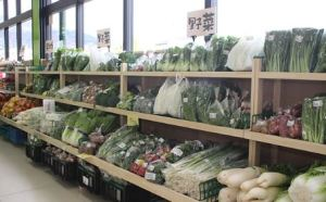 Aコープ産直出荷組合の皆さんが野菜はもちろん、旬の果物や花など季節の農作物を毎日お届けいたします!