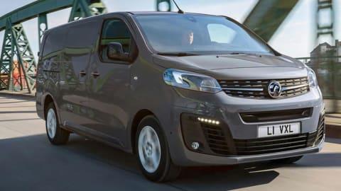 L2 3100 100kW Elite 75kWh H1 D/Cab Auto [11kWCh] [2022]