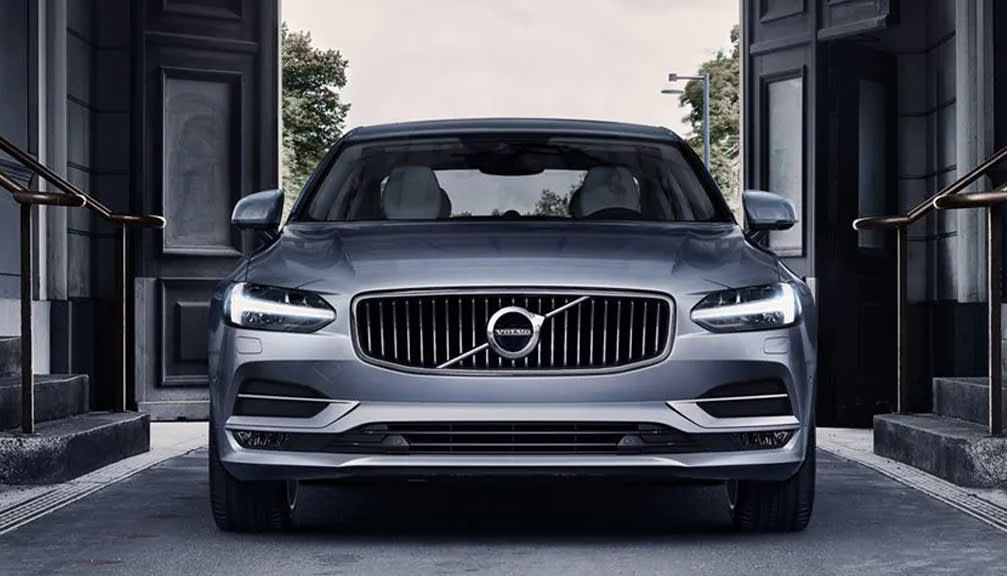 2.0 T8 Recharge PHEV R DESIGN 4dr AWD Auto [2021]
