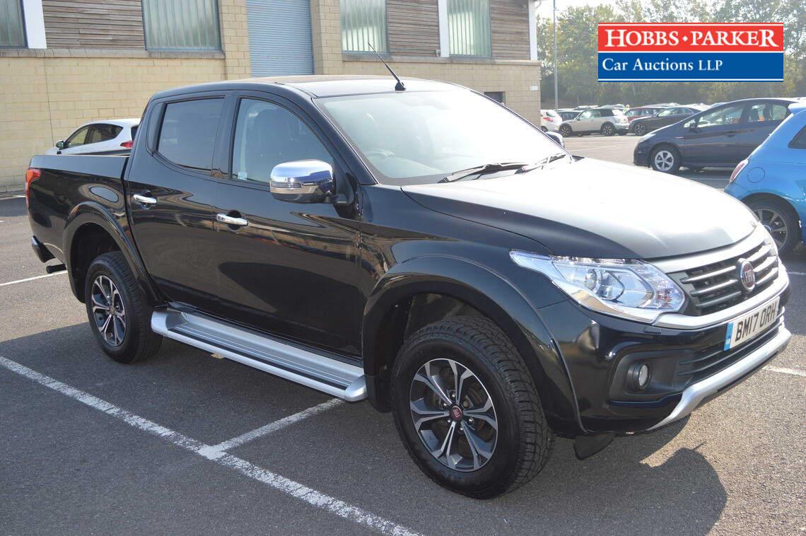 Fiat / Fullback LX 4X4 / Pick-up / Black - VAT / 2442cc