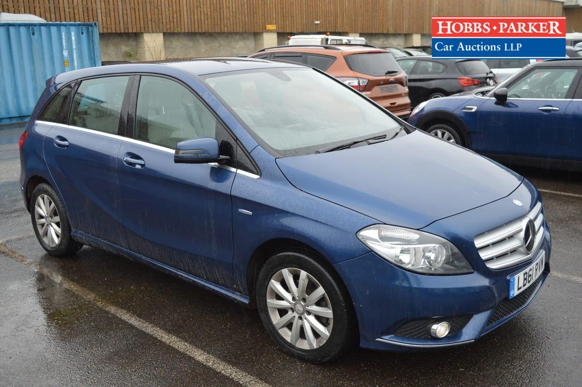 Mercedes / B180 Blueefficiency SE / MPV / Blue / 1595cc