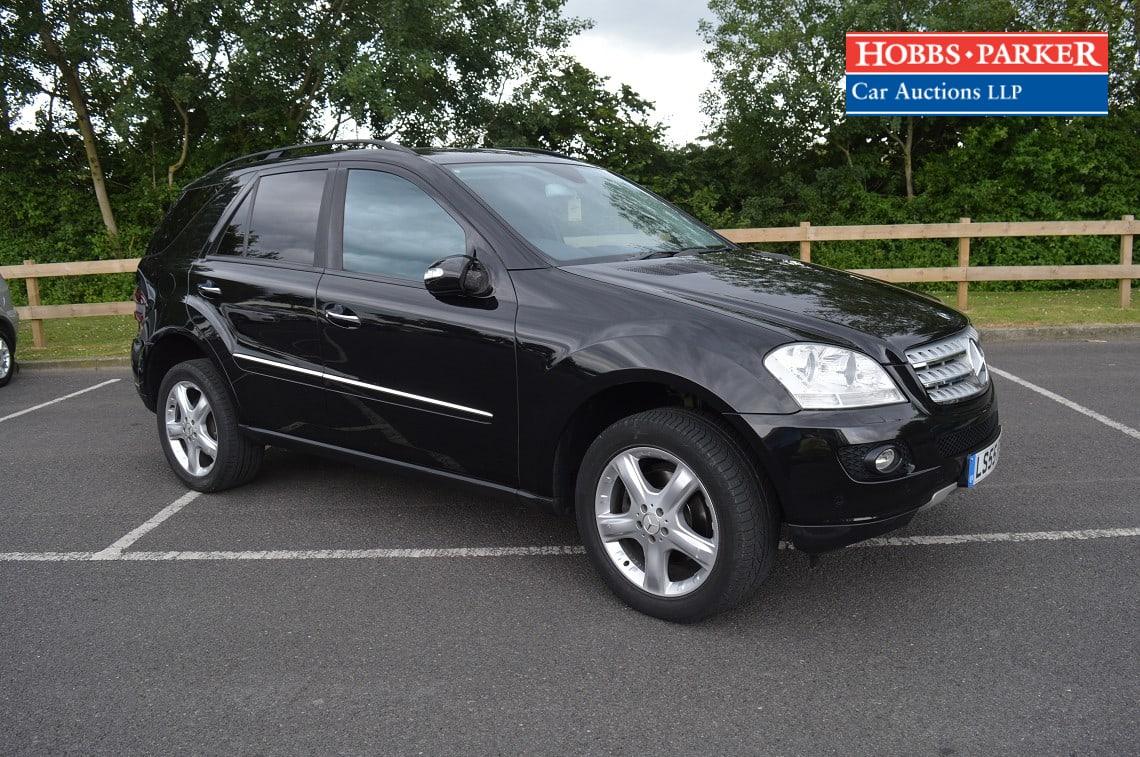 Mercedes / ML320 CDI Sport Auto / Estate / Black / 2987cc