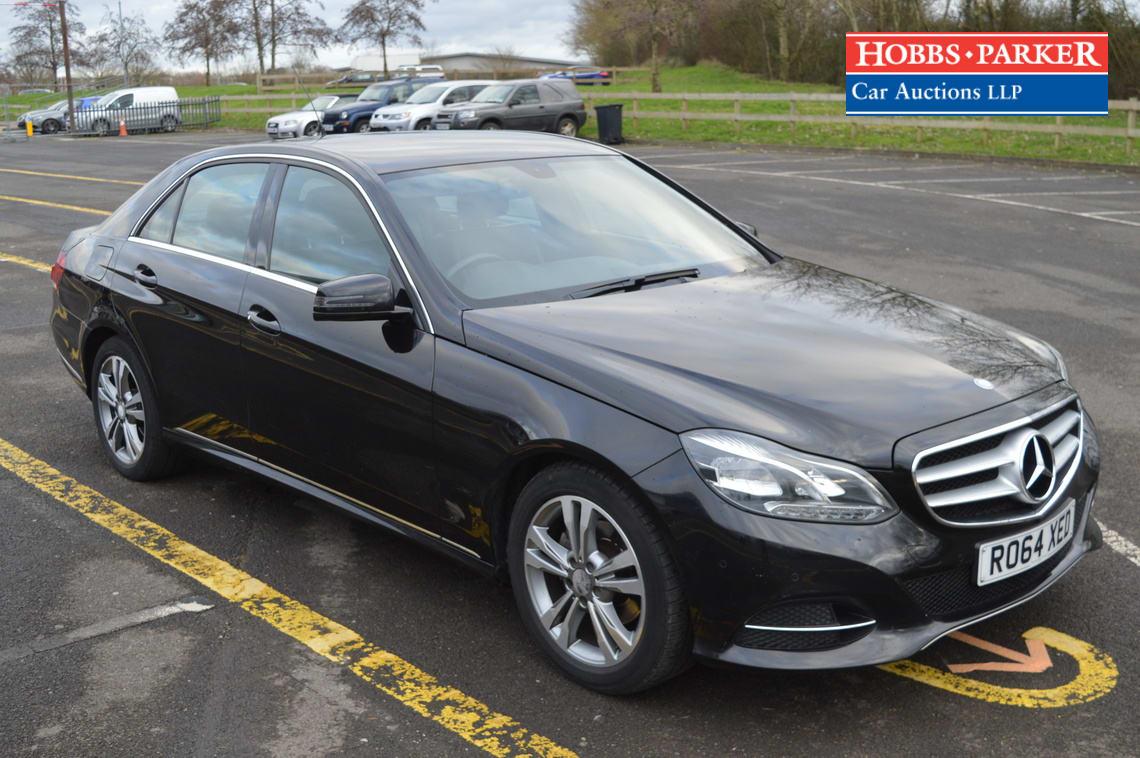 Mercedes / E220 SE Bluetec Auto / Saloon 4 Door / Black / 2143cc