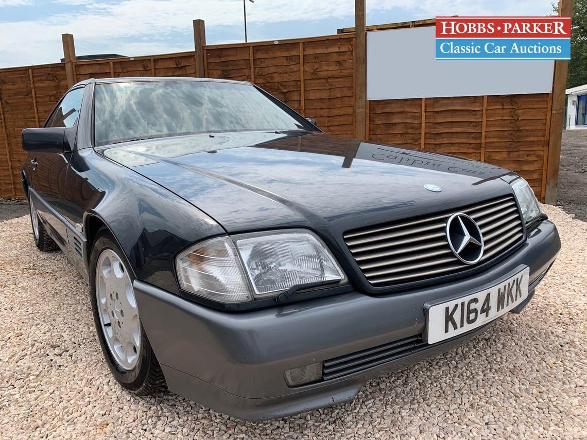 Mercedes / 500 SL Auto / Convertible / Black / Petrol / Auto / 4970cc / 94000 miles