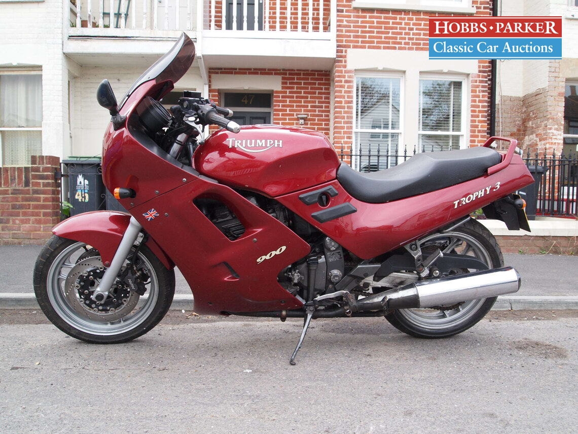 Triumph / Trophy 3 / Motorcycle / Red / Petrol / Manual / 885cc / 44500 miles