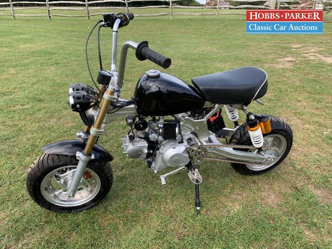 Honda / Custom / Motorcycle / Petrol / Auto / 80cc / miles