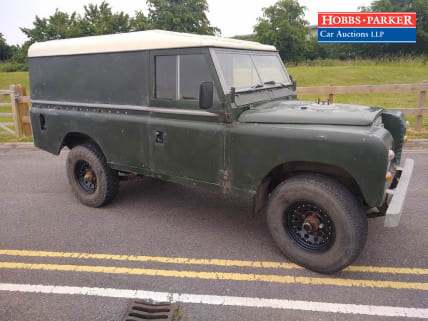 Land Rover 109 Petrol