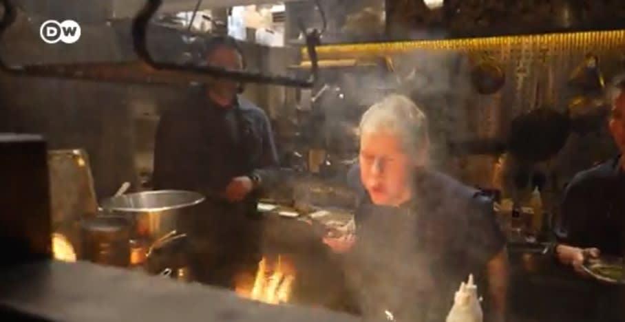 Feuer & Flamme: Sternekoch kocht ohne Strom