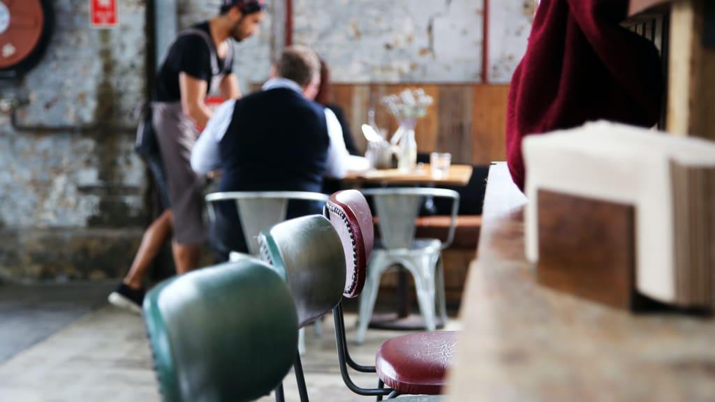 restaurant-service-caroline-attwood