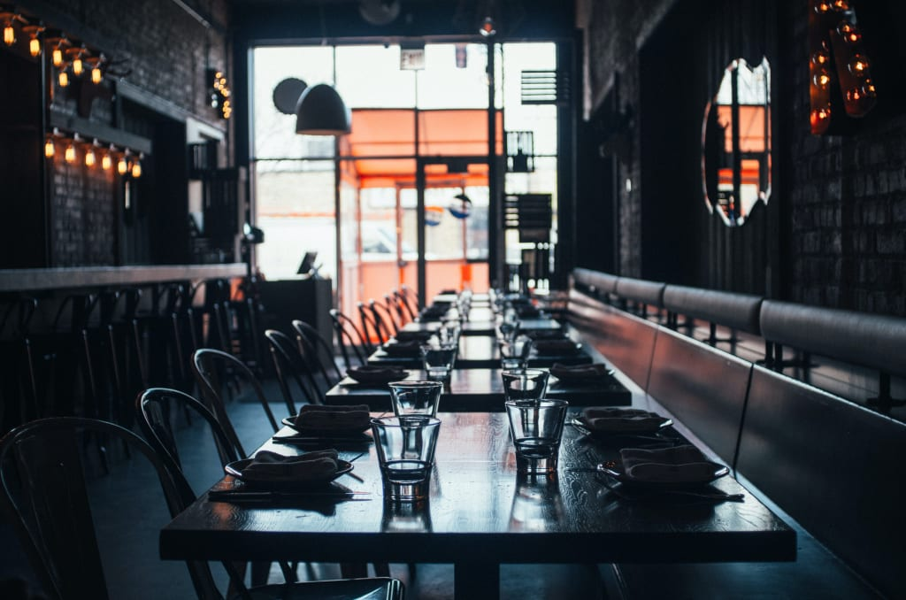 Leeres Restaurant (Foto: Andrew Seaman)