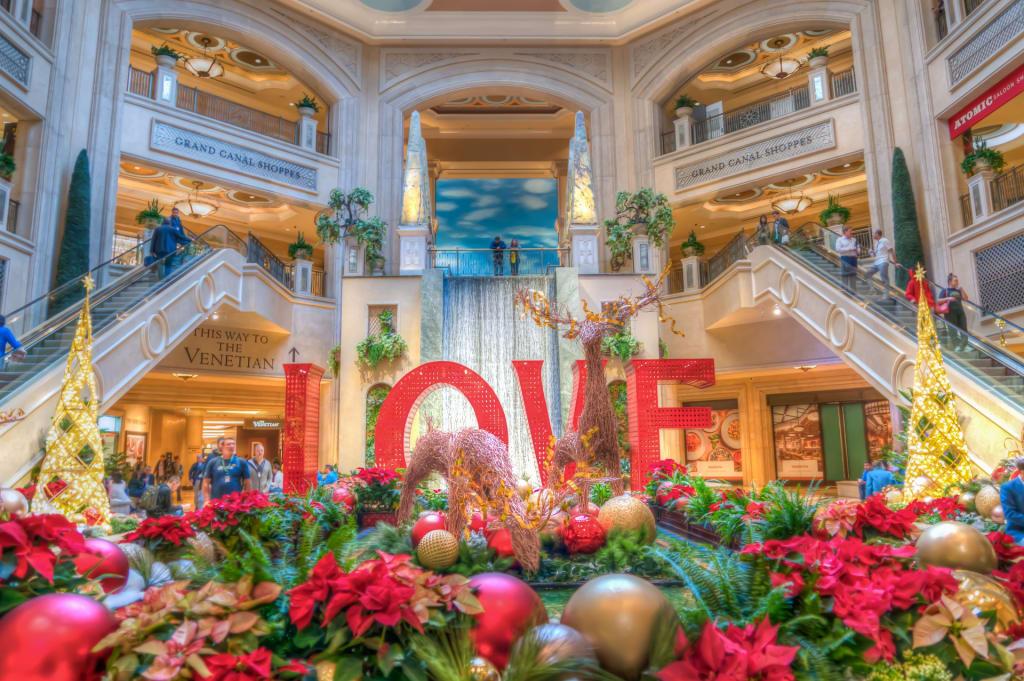 Christmas Decoration in Las Vegas