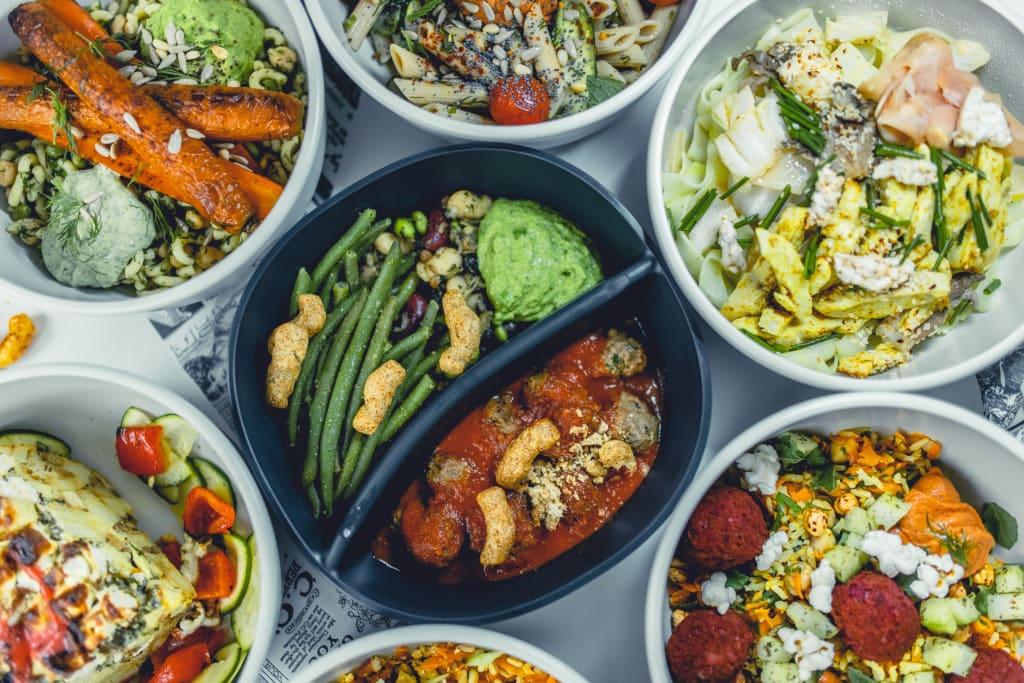 """Mit der Online-Kantine von """"we celebrate:"""" erhalten die Mitarbeiter mittags unkompliziert leckeres und gesundes Essen. (Foto: we celebrate:)"""
