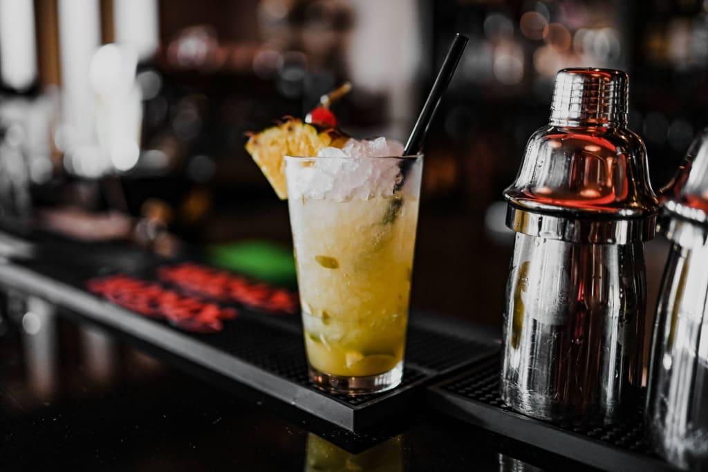 Pfirsich und Zitrone verleihen dem Getränk eine fruchtige Schärfe - und Ginger Beer eine leichte Wärme. Zu verkosten - im Hotel & Spa Linsberg Asia - in der Pianobar.