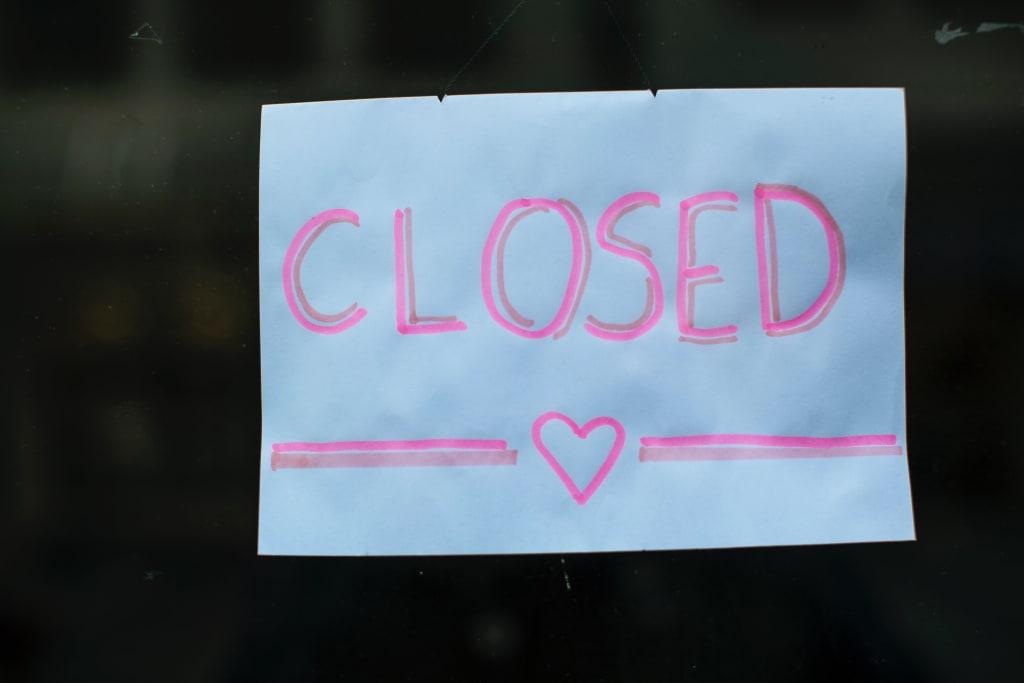 closed-markus-spiske