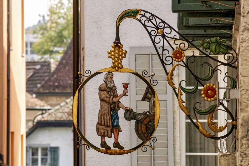 Werden Wirtshäuser zugesperrt oder wird ihre Nutzung aufgegeben, verschwindet mit ihnen oftmals die Seele eines Dorfes, eines Stadtviertels oder gar einer ganzen Region (Foto: Kulturerbe Bayern)