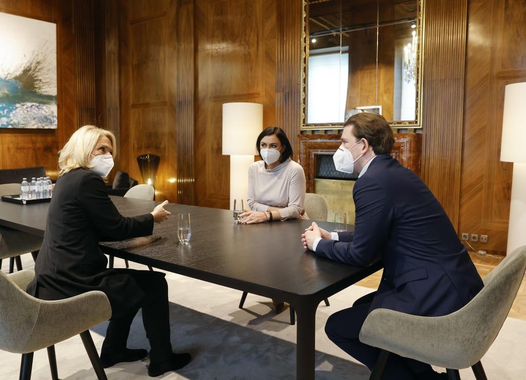 Chefsache Tourismus-Hilfen: Bundeskanzler Sebastian Kurz und Tourismusminister Elli Köstinger verhandeln mit ÖHV-Präsidentin Michaela Reitterer