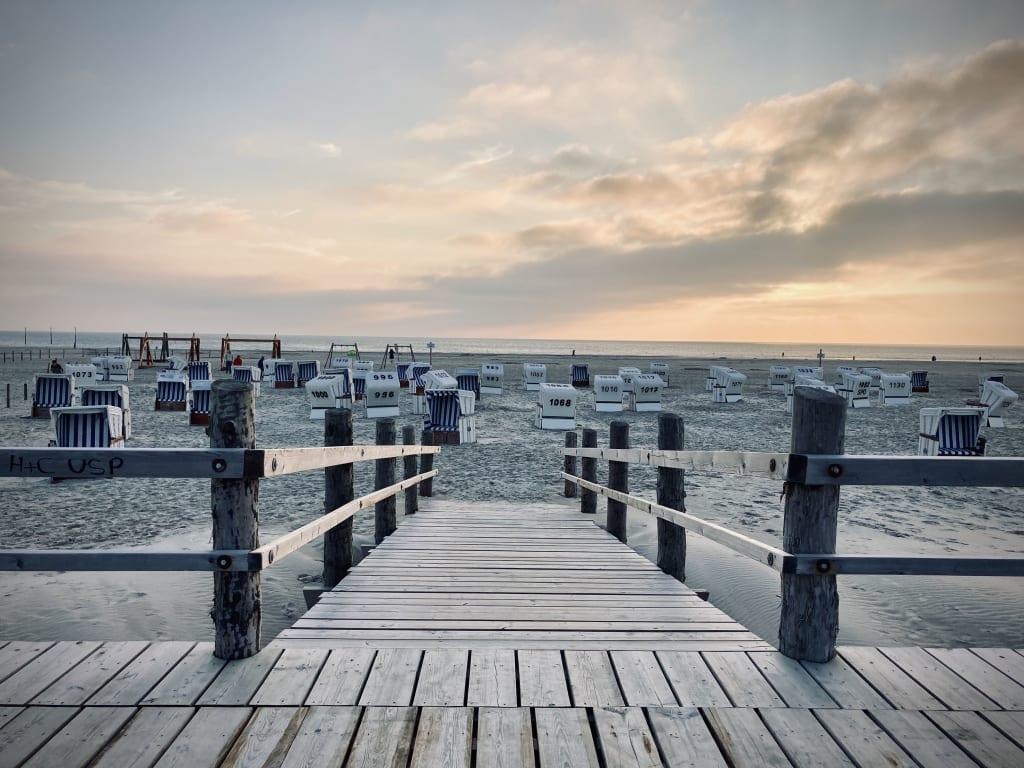 ©TZ SPO Abendstimmung Ordinger Strand,  St. Peter-Ording, Nordsee, Strandkörbe