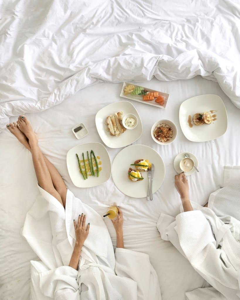 breakfast in hotel bed
