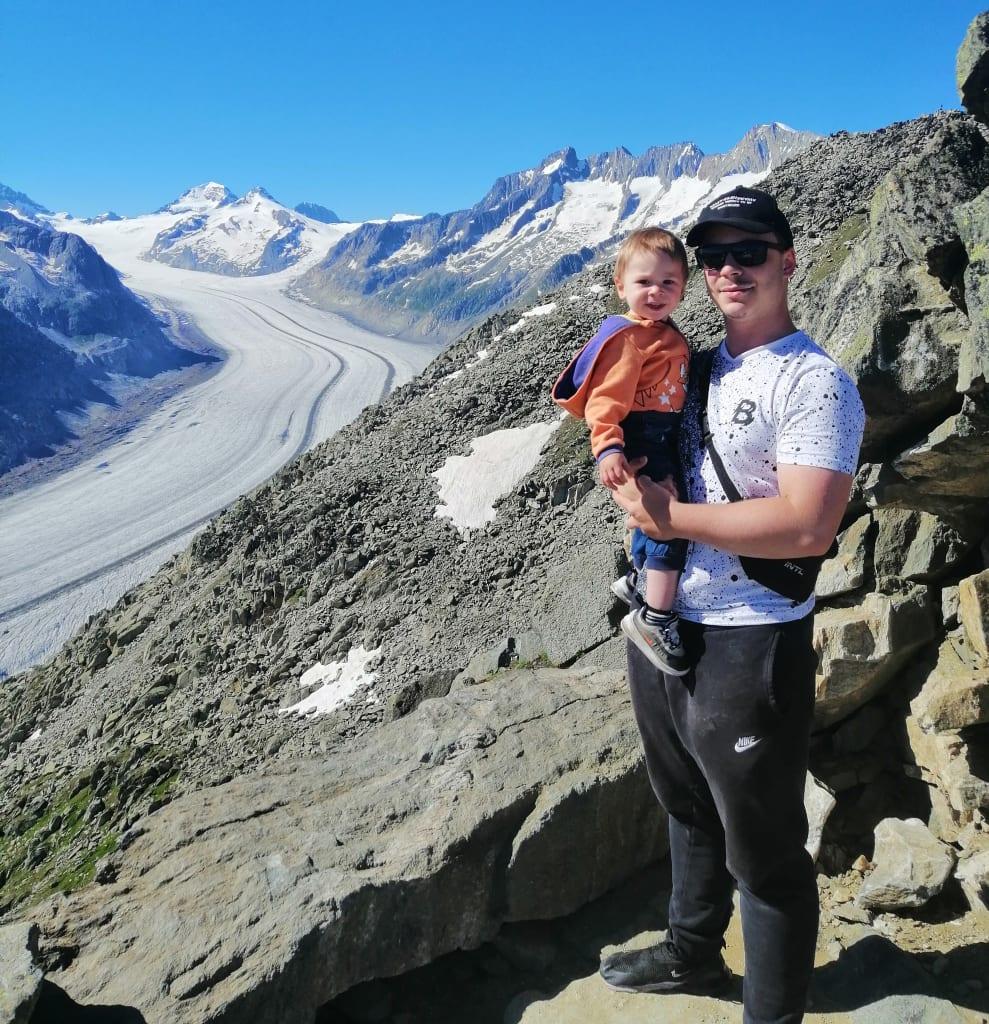 Nico und Finn am Grossen Aletschgletscher