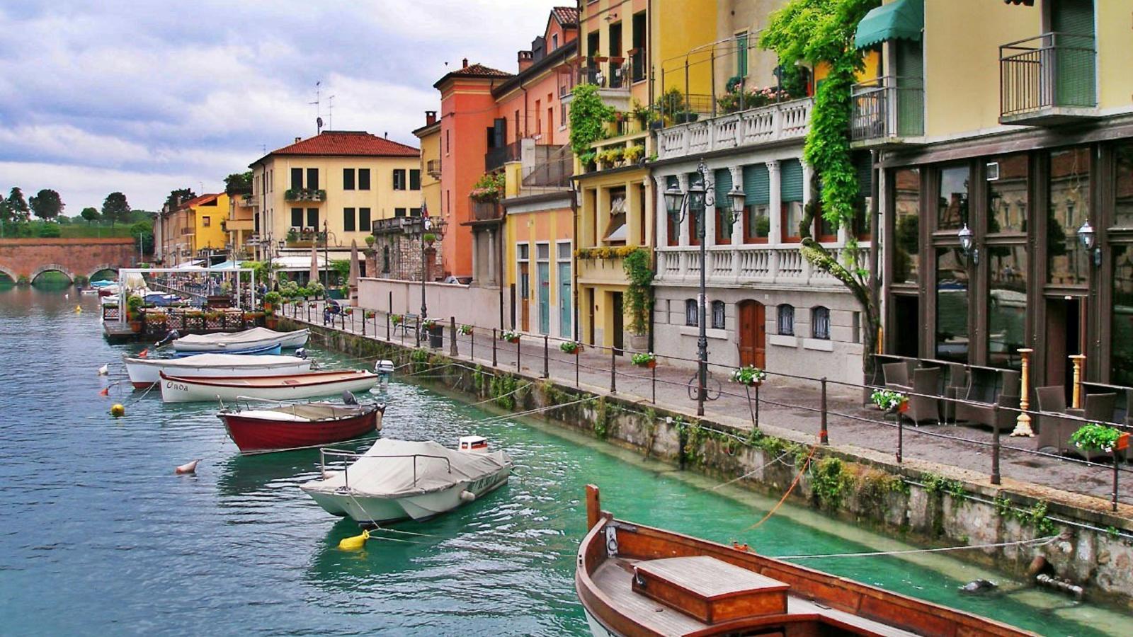 Hotels In Peschiera Del Garda Italy