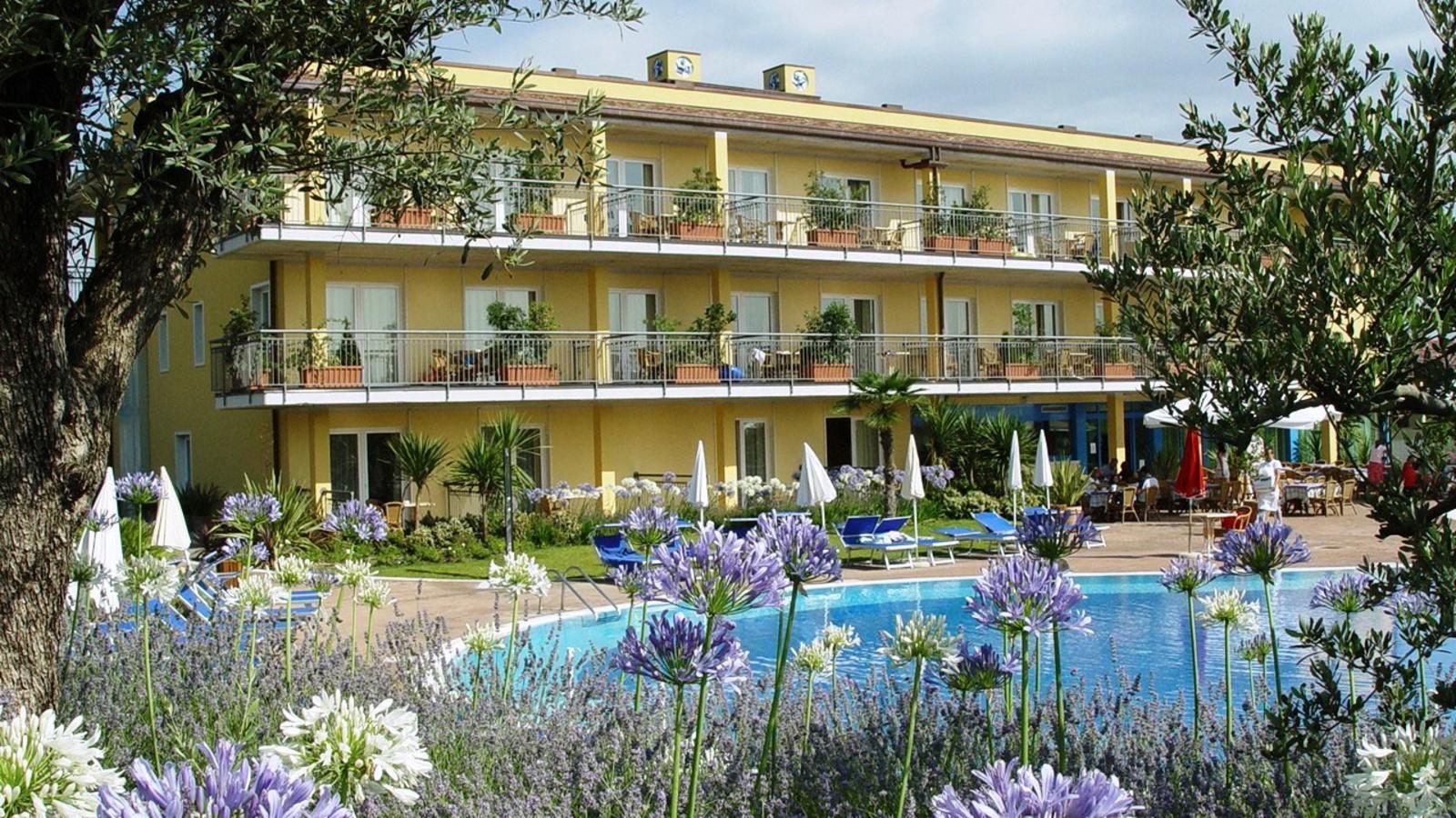 Topflight Holidays, Hotel Bella Italia - Peschiera